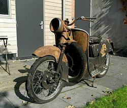 Moto Guzzi Galletto 192 LH front