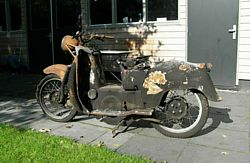 Moto Guzzi Galletto 192 LH side
