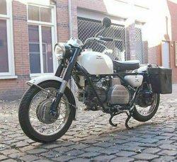 Moto Guzzi Nuovo Falcone l-h front