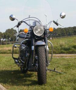 Moto Guzzi V7 850 California, front view