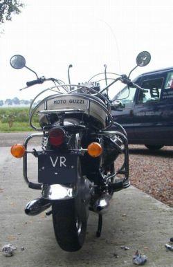 Moto Guzzi V7 850 California, rear view